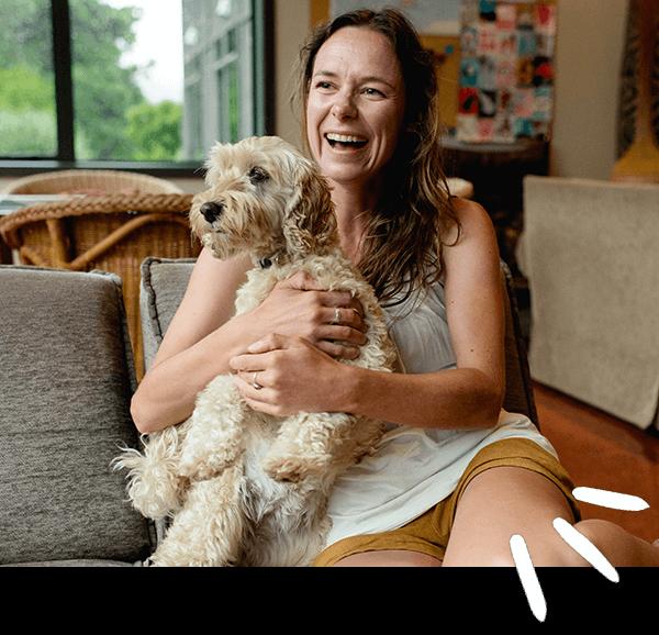 Nadine Mehlis mit Hund